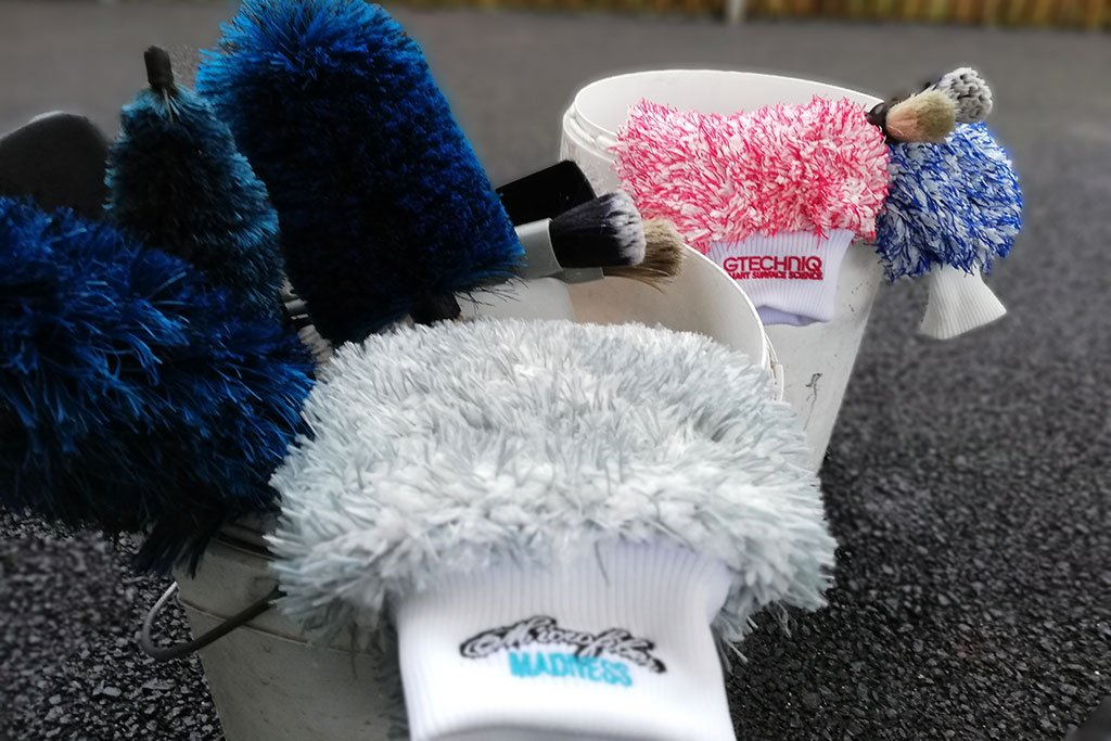 Professional Car Detailer in Petersfield, Hampshire recommends brushes, mitts and microfibers